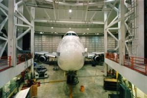 SG - AA Hangar3095c at MIA